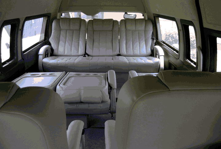 10 Seater Car In India With Price >> 9 Seater Toyota Minivan | Toyota Hiace Hire Delhi | Imported Van Rent in India