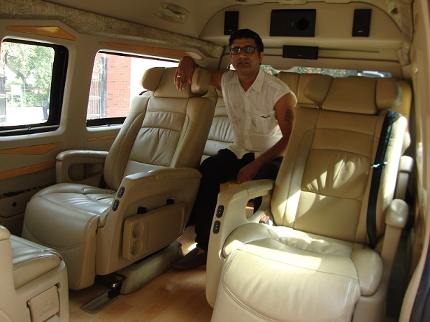 6 Seater Luxury Toyota Van Image Gallery